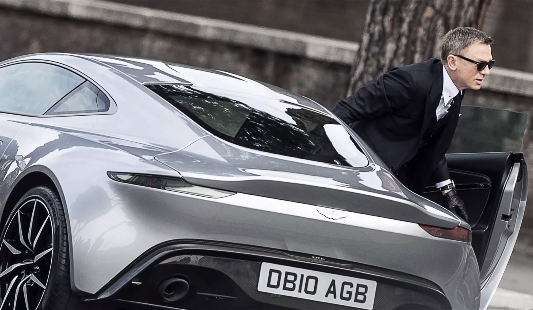 Car James Bond Spectre 2015