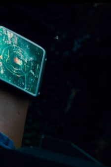 Smartwatch in Jurassic World (2015)