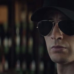 Sunglasses Chris Evans in Captain America Civil War (2016)