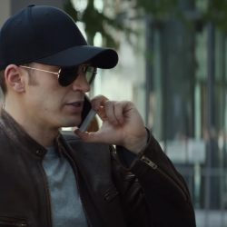 Black baseball cap Chris Evans in Captain America: Civil War (2016)