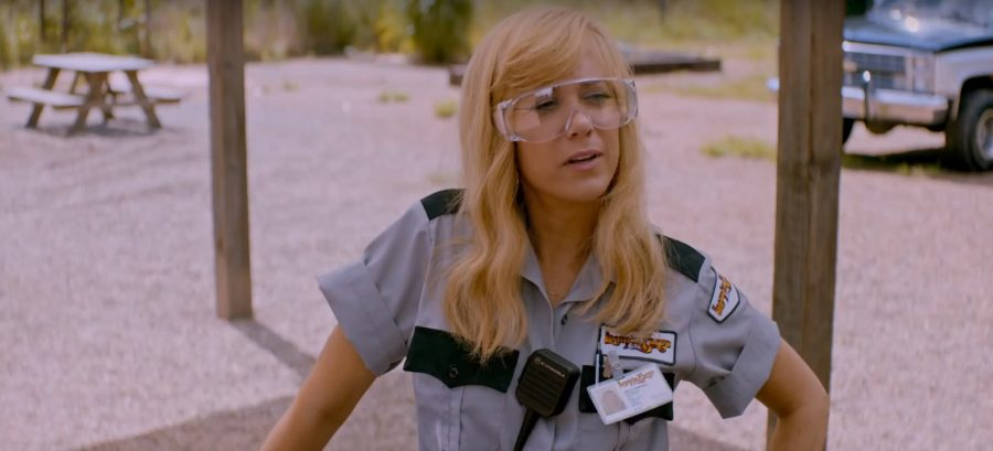 Safety Glasses Kristen Wiig in Masterminds (2016)