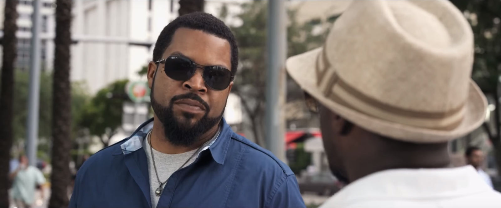 sunglasses ice cube in ride along 2 2016. Black Bedroom Furniture Sets. Home Design Ideas