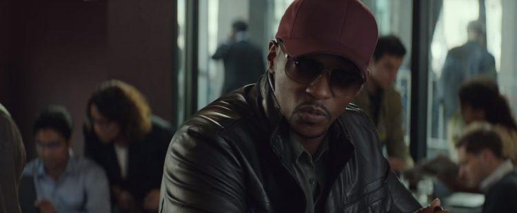 Maroon baseball cap Anthony Mackie in Captain America: Civil War (2016)