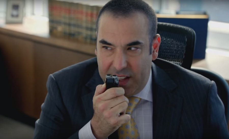 Voice recorder Louis Litt in Suits