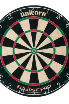 Dart board in Keeping up with the Joneses (2016)