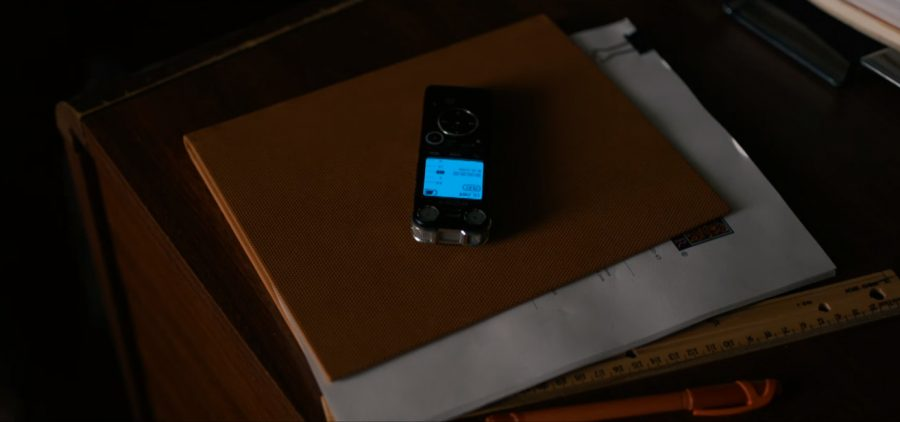 Digital voice recorder in Arrival (2016)