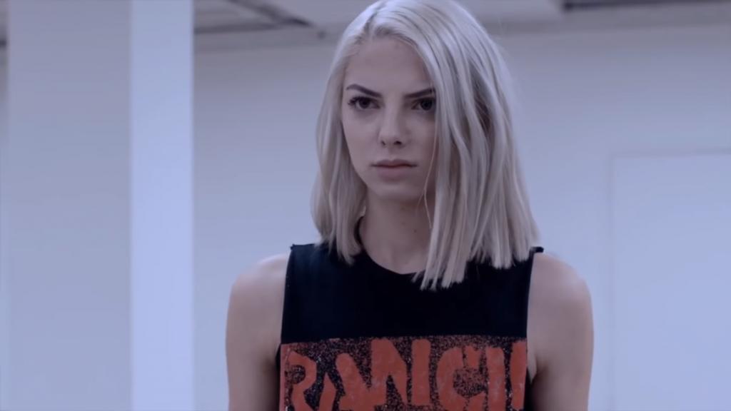 Rancid shirt Allie Marie Evans in Maximum Ride (2016)