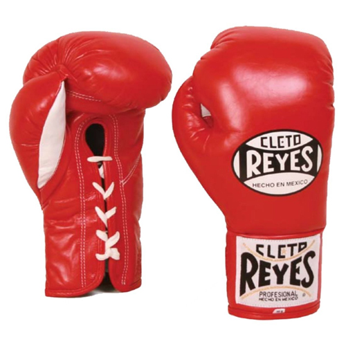 Cleto Reyes boxing gloves Miles Teller in Bleed for This (2016)
