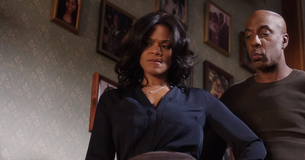 Diamond pendant necklace Kimberly Elise in Almost Christmas (2016)
