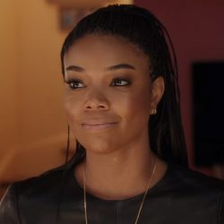 Open circle earrings Gabrielle Union in Almost Christmas (2016)