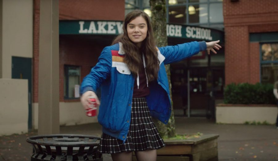 Blue Jacket Hailee Steinfeld in The Edge of Seventeen (2016)