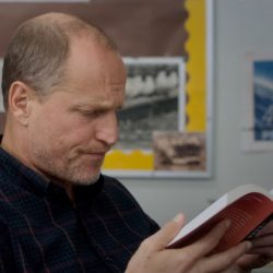 Book Woody Harrelson in The Edge of Seventeen (2016)