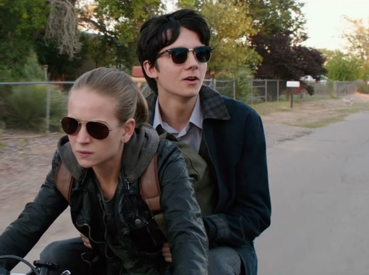 Sunglasses Asa Butterfield in The Space Between Us (2017)