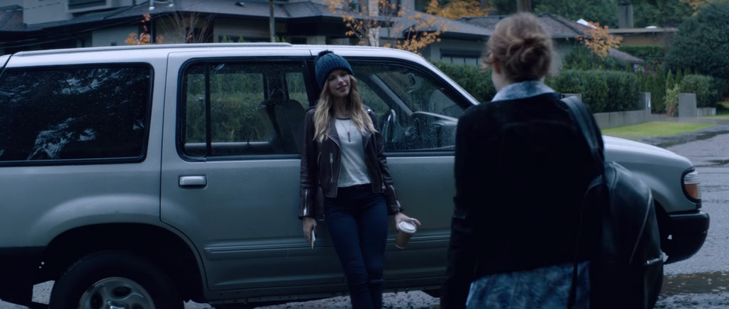 Halston Sage's Wool Knit Beanie in Before I Fall (2017)