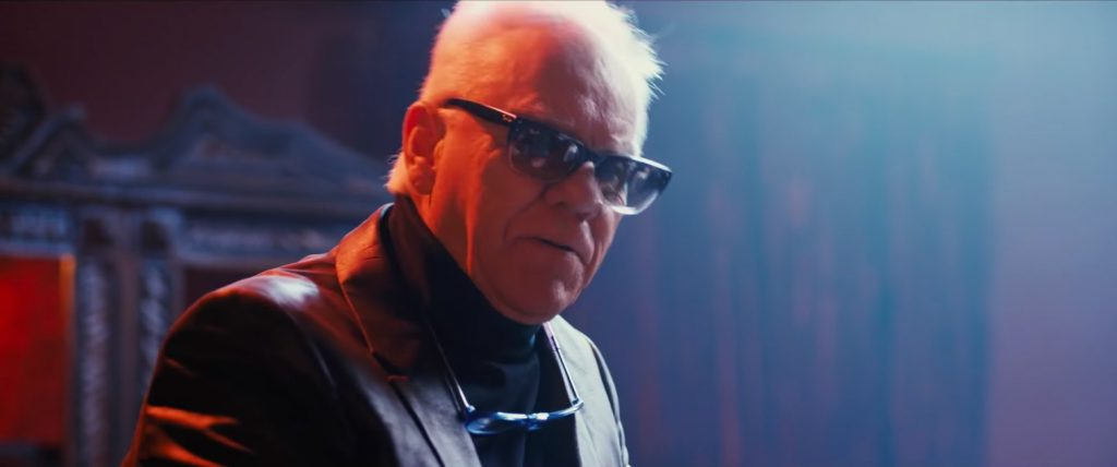 Sunglasses Malcolm McDowell in Walk of Fame (2017)