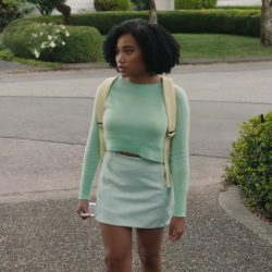 Cropped sweater Amandla Stenberg in Everything, Everything (2017)