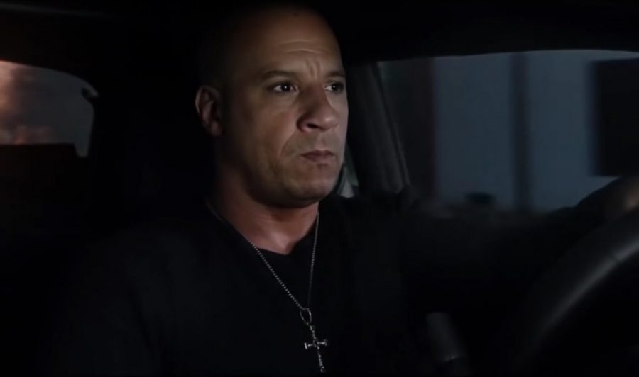 Cross pendant necklace Dominic Toretto (Vin Diesel) in The Fate of the Furious (2017)