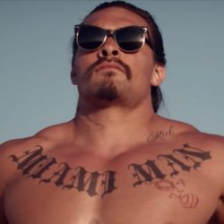 Jason Momoa's sunglasses in The Bad Batch (2016)