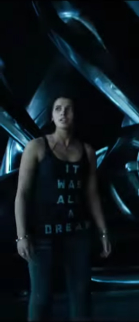 Tank top Naomi Scott in Power Rangers (2017)