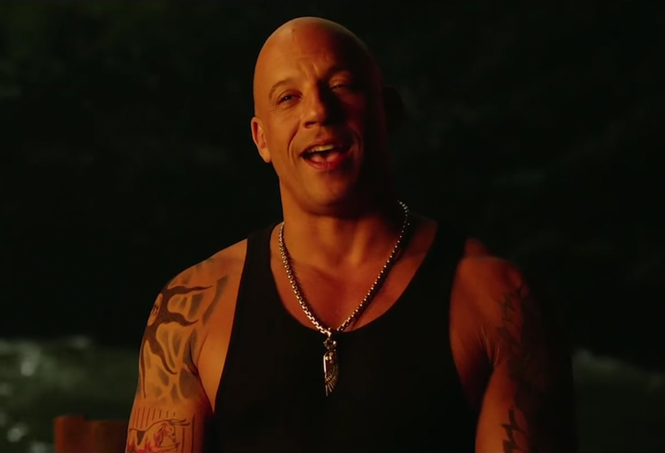 Vin Diesel's wing pendant necklace in xXx: Return of Xander Cage (2017)