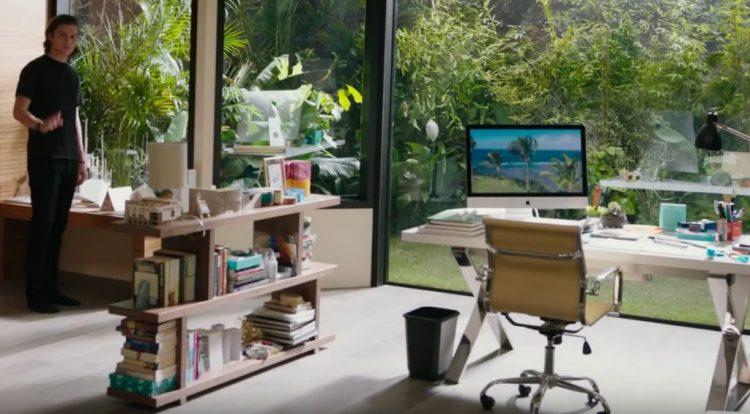 iMac in Everything, Everything (2017)
