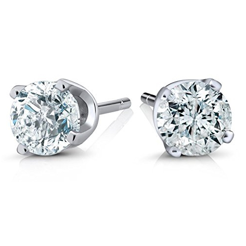 Diamond stud earrings Katherine Heigl in Unforgettable (2017)