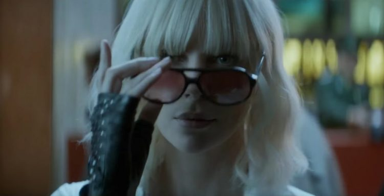Sunglasses Charlize Theron in Atomic Blonde (2017)