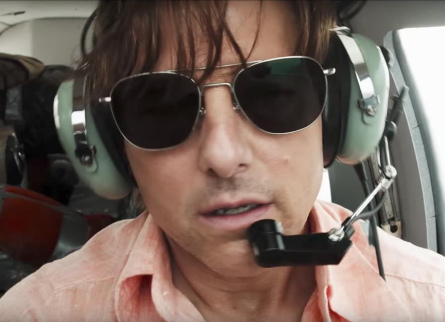 Aviator sunglasses Tom Cruise in American Made (2017)