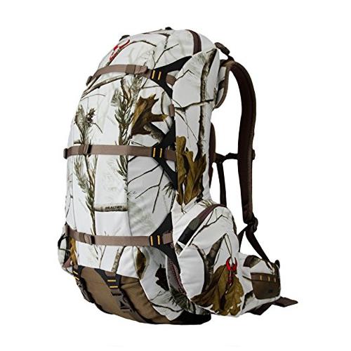 Badlands backpack Jeremy Renner in Wind River (2017)