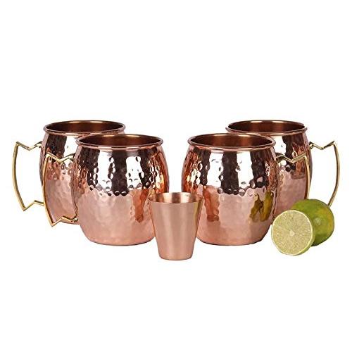 Moscow Mule Copper Mugs in Ingrid Goes West (2017)