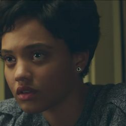 Silver with black stud earrings Kiersey Clemons in Flatliners (2017)