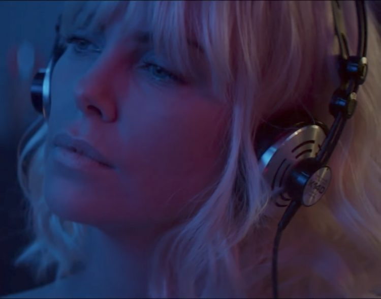 AKG K140 headphones Charlize Theron in Atomic Blonde (2017)