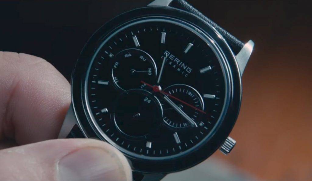 Bering watch Michiel Huisman in 2:22 (2017)