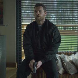 Bomber jacket Sam Worthington in The Hunter's Prayer (2017)
