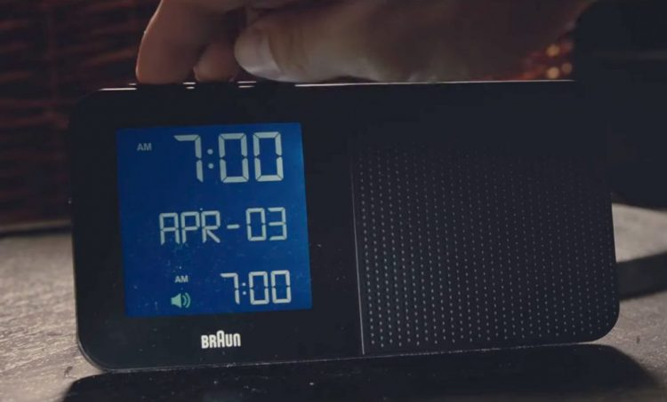 Braun radio alarm clock in 2:22 (2017)