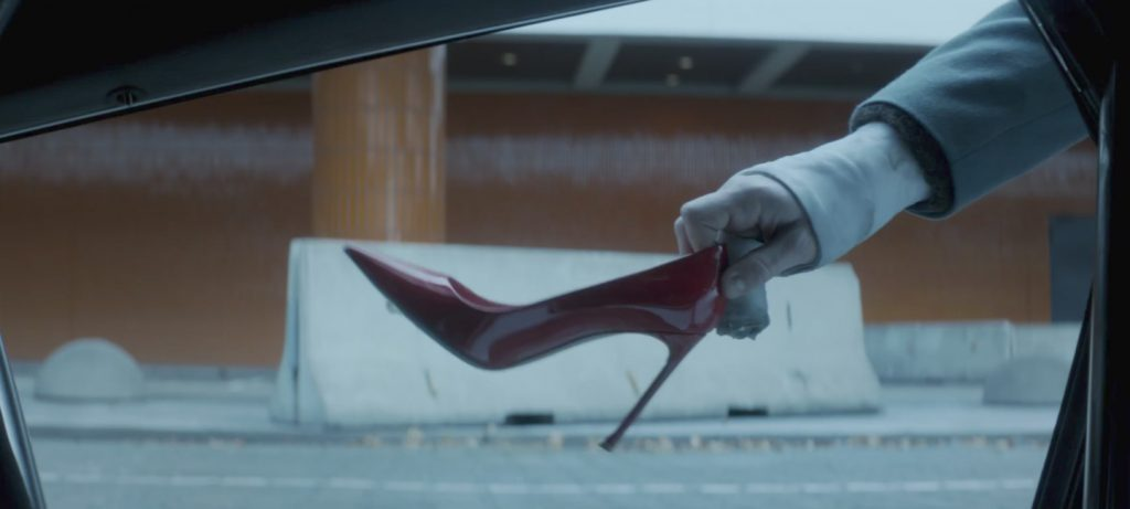 Red pumps Charlize Theron in Atomic Blonde (2017)