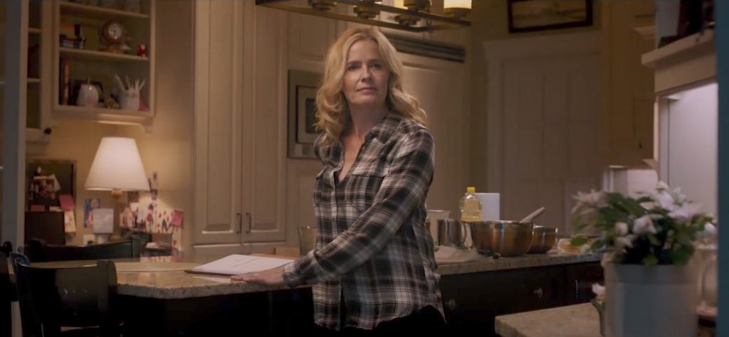 Plaid shirt Elisabeth Shue in Death Wish (2017)