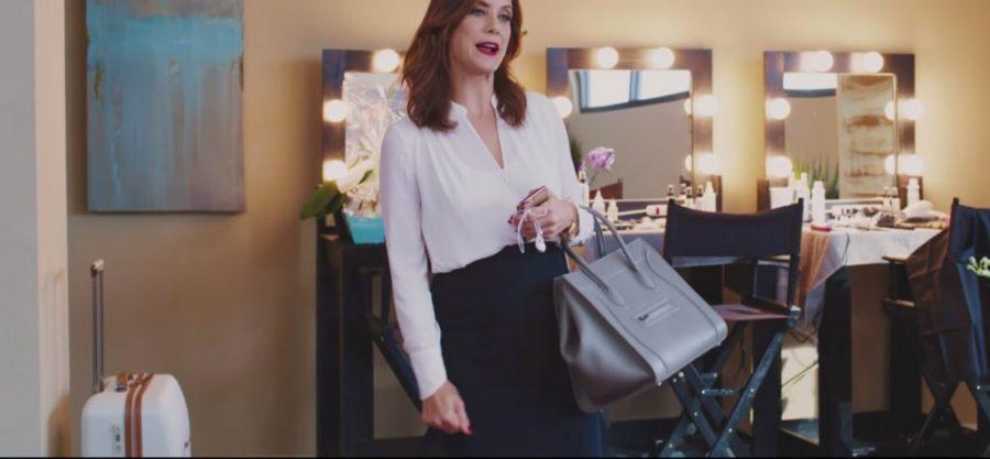 White draped long sleeve top Kate Walsh in Girls Trip (2017)