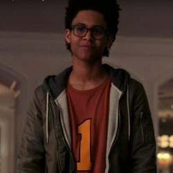 Green bomber jacket Rhenzy Feliz (Alex Wilder) in Runaways