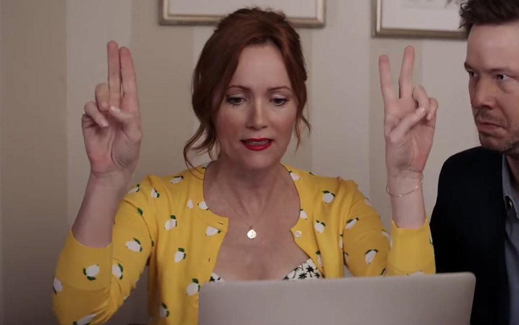 Lemon print cardigan Leslie Mann in Blockers (2018)
