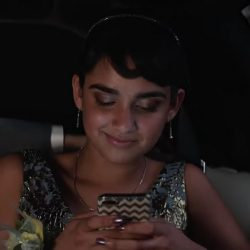 Zig zag iPhone case Geraldine Viswanathan in Blockers (2018)