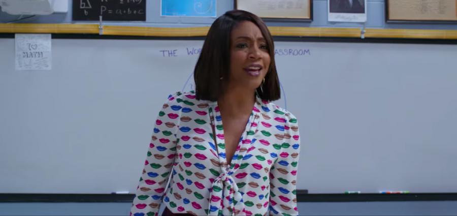 Lips print blouse Tiffany Haddish in Night School (2018)