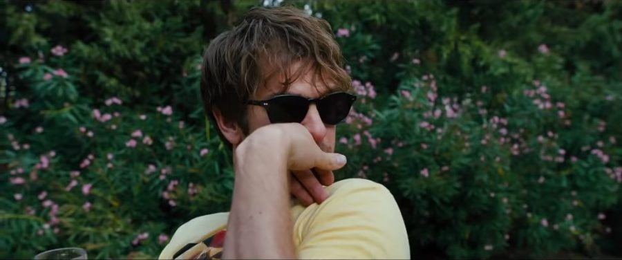 Black sunglasses Andrew Garfield in Under the Silver Lake (2018)