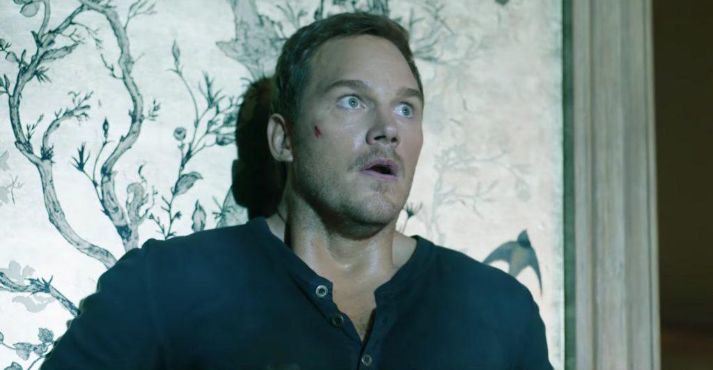 Blue henley shirt Chris Pratt in Jurassic World: Fallen Kingdom (2018)