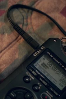 Digital audio recorder Rhian Rees in Halloween (2018)