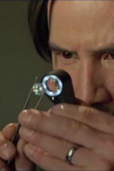 Mini magnifying glass Keanu Reeves in Siberia (2018)