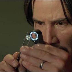 Mini magnifying glass Keanu Reeves in Siberia (2018)