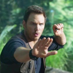 Wristwatch Chris Pratt in Jurassic World: Fallen Kingdom (2018)
