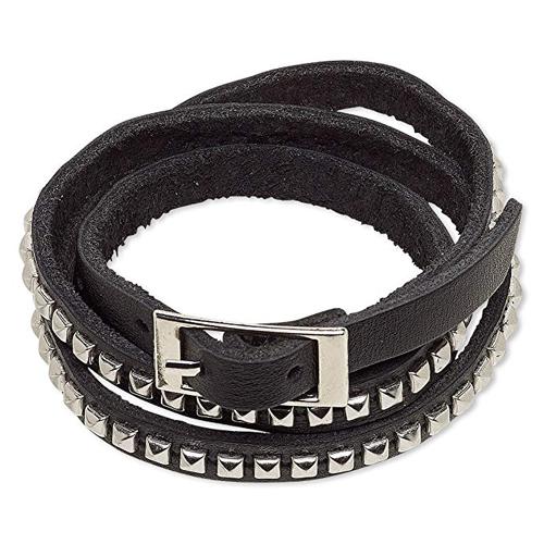 Black Leather Studded Choker Necklace Hari Nef in Assassination Nation (2018)