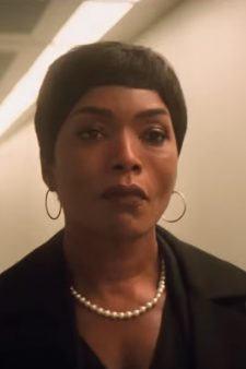Pearl Necklace Angela Bassett in Mission: Impossible - Fallout (2018)